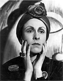 SOUTH BANK SHOW SPECIAL FILM ABOUT SIR WILLIAM WALTON / AT THE HAUNTED END OF THE DAY - Devised & directed by Tony Palmer featuring Carmen Du Sautoy as Edith Sitwell reciting excerpts from Facade composed by William Walton